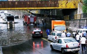 UPDATE interventii, ora 21.00: 240 de solicitari din pricina vijeliilor si inundatiilor de vineri