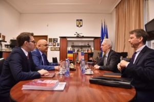 E.S., ambasadorul Statelor Unite la Bucuresti, Hans Klemm, in vizita la Departamentul pentru Situatii de Urgenta